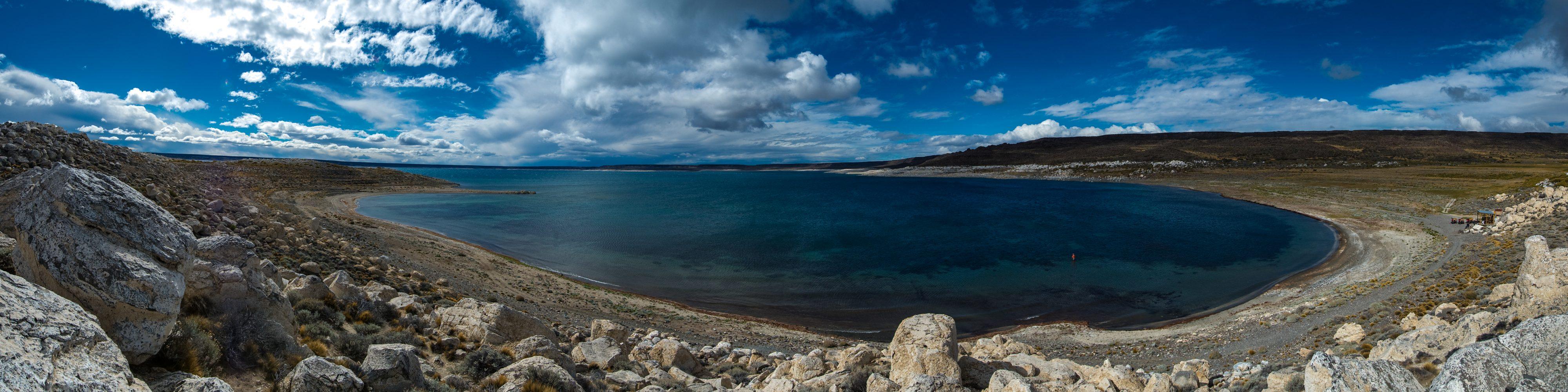 Jurassic Lake - Estancia Laguna Verde